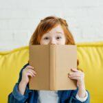 kind met boek